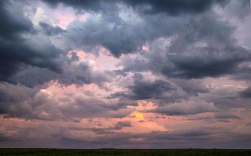 Bunt-fetziger Abendwolkenhimmel 02.06.2021
