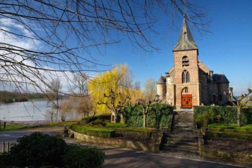 Dionysiuskirche Asselt, Niederlande, bei Maas-Hochwasser, 18.03.2019