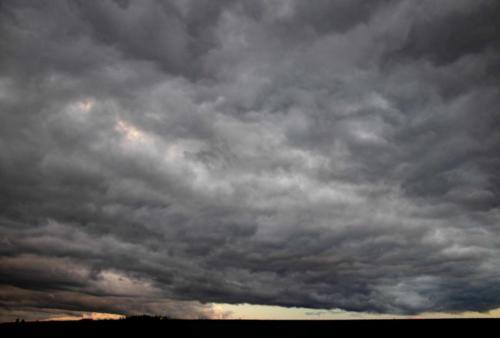 Dunkle Wolkendecke 03.10.2020