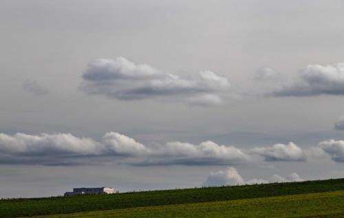 Horizontale Wolken über schiefem Horizont 19.02.2021