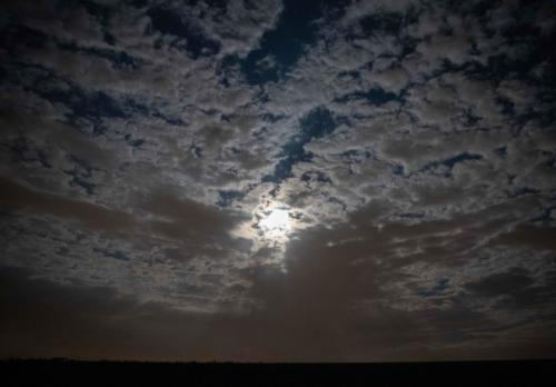 Mond im nächtlichen Gewölk 01.09.2020