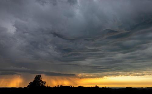 Regen aus der Gewitterwolke 27.06.2021