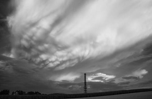 Roter Wolkenstrom in Schwarzweiß 14.08.2020